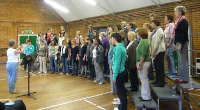 Amersham A Cappella: warming up with Lynne Owen