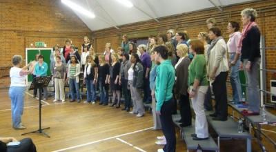 Amersham A Cappella: warming up with Lynne Owen