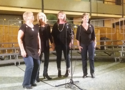 The Buzz: They did sing an 8-parter with Crossroads, but I had run out of battery by then, so no pic...