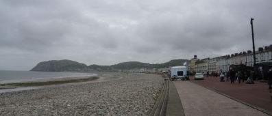 Hmm, it was actually nicer walking along the seafront than this makes it look!
